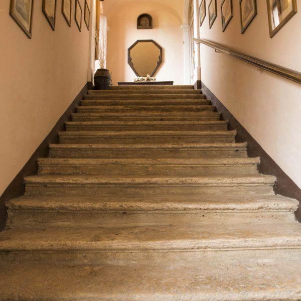 Ingresso scale Residenza Fabroni Centro storico Montepulciano